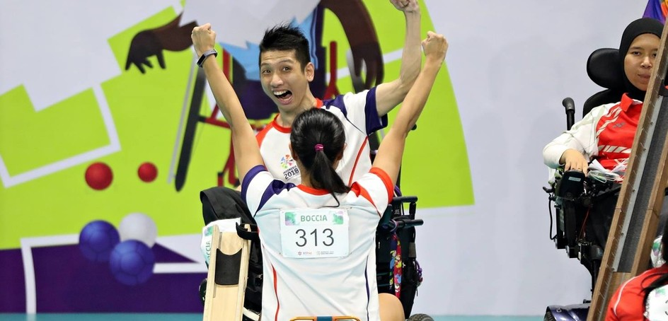 On the seventh competition day, Hong Kong added a remarkable 14 medals - comprising 5 gold, 5 silver and 2 bronze - in lawn bowls, table tennis, badminton, boccia and swimming.
